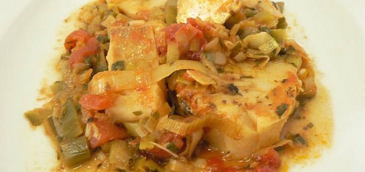 Μπακαλιάρος στο φούρνο με χορταρικά