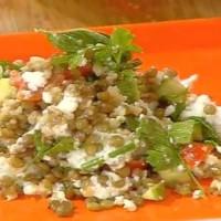 Σαλάτα με φακές και ξινομυζήθρα