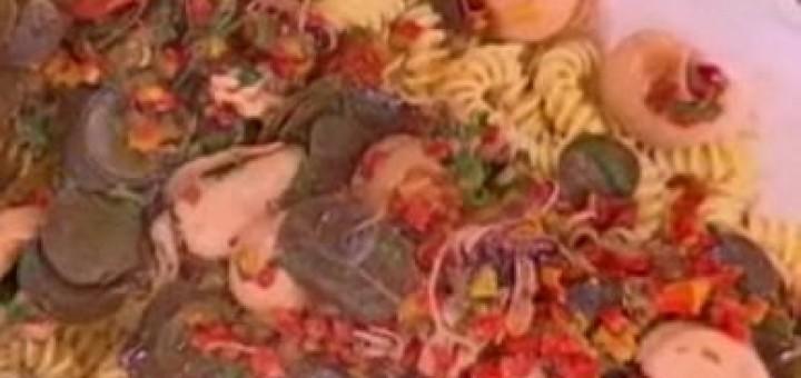 Σουπιές με καπαρόφυλλα