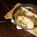 Φιλέτο ψαριού με ελιές στο τηγάνι
